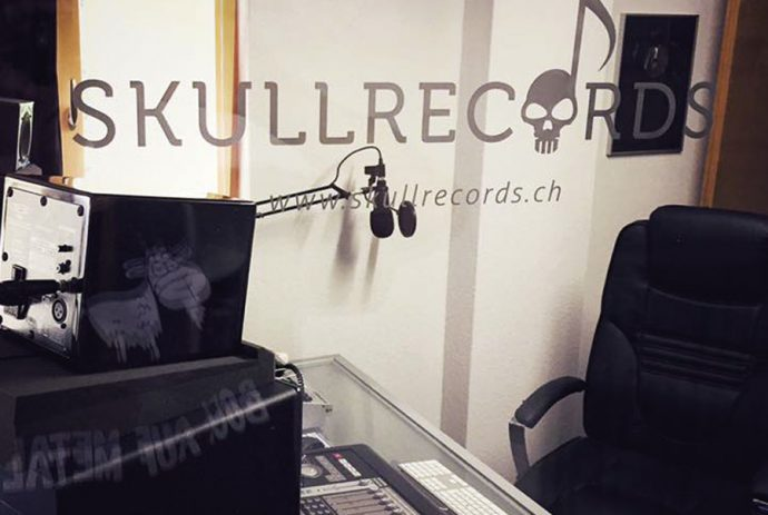 http://skullrecords_studio1q